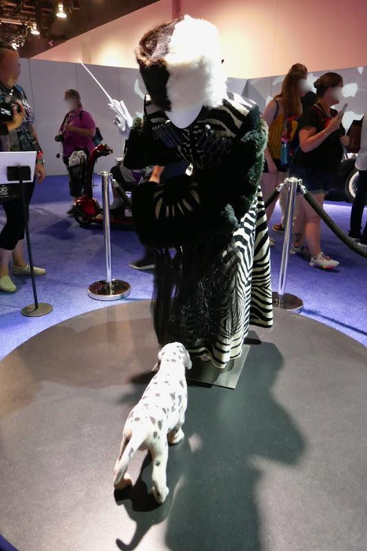 Cruella de Vil 101 Dalmatians zebra movie costume