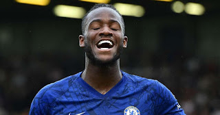 Chelsea to offer Michy Batshuayi new deal before sending him out on loan to avoid losing him for nothing