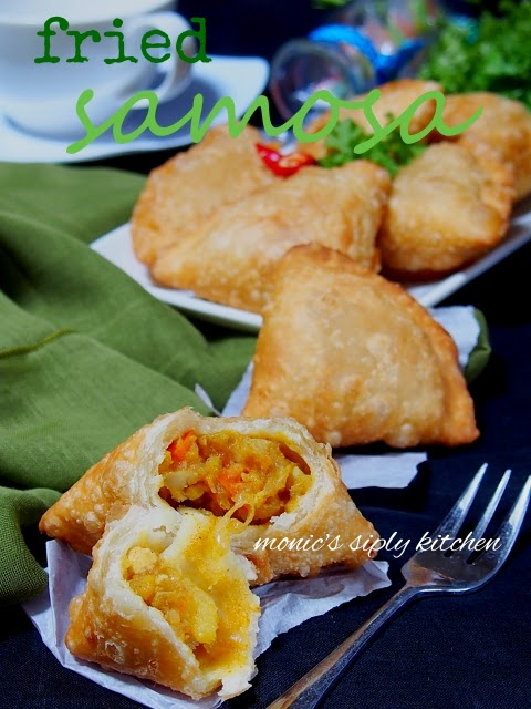 fried curry samosa