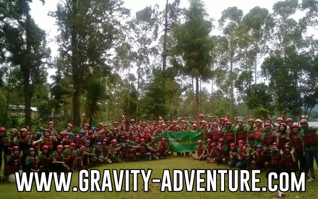 Paket outbound murah dan family gathering rafting gravity adventure bandung
