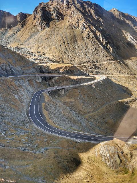 трансфагараш шоссе, горное озеро, трасса румыния, высокогорная  дорога румыния, озеро быля, озеро балео, замок поенари, плотина видрару