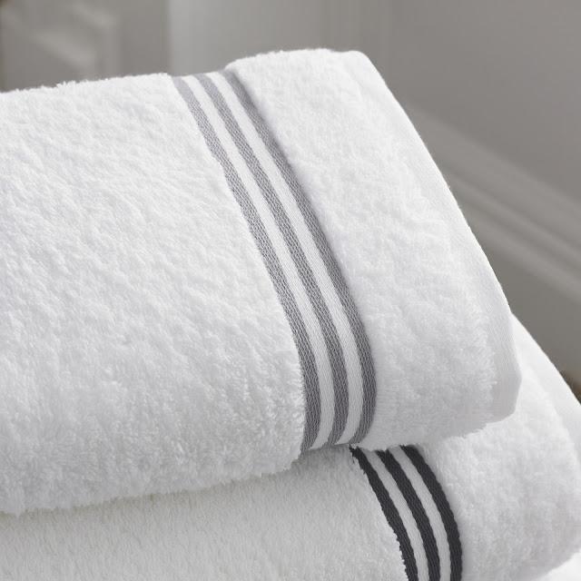 Cómo eliminar el olor a humedad de tus toallas