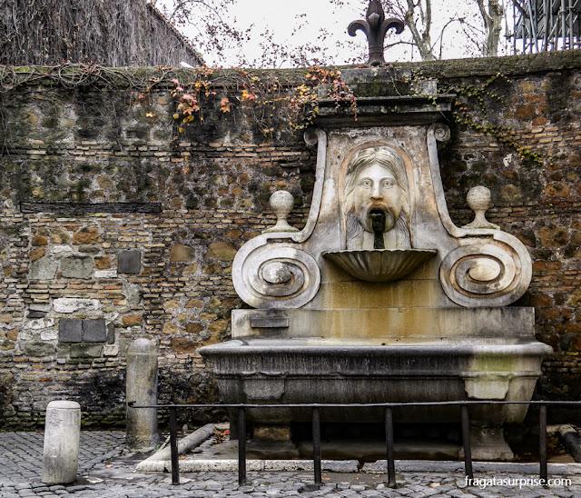 Fontana del Mascherone, Via Giulia, Roma