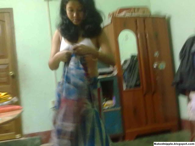 Desi indian bhabhi fucked with big cock HD XXX pics