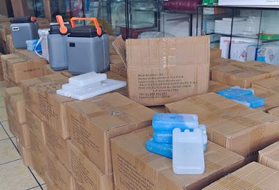 Stock ice packs termos conservadores vacunas cajas