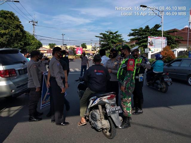 Personel Jajaran Kodim 0207/Simalungun Bersama Personel Polres P.Siantar Gelar Ops Kepolisian Kewilayahan, Keselamatan Toba 2021