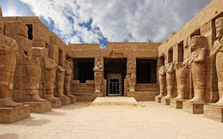 Imagem do templo de Karnak no Egito