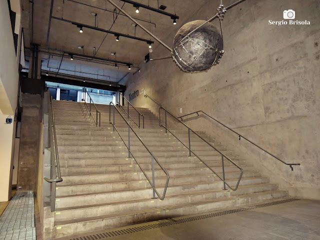 Vista da escadaria de acesso ao teatro do Sesc 24 de Maio - Centro - São Paulo