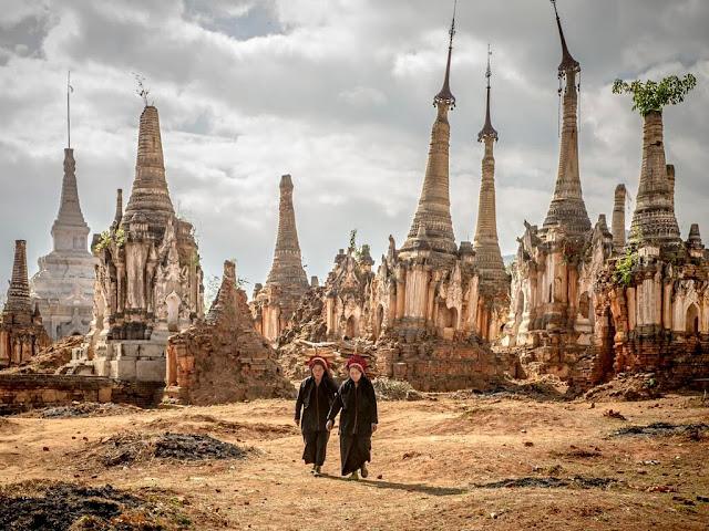 Hiện tại phía nam hồ Inle vẫn còn một vùng đất được ví như Bagan của bang Shan. Đó là thành phố cổ Indein còn lại với những công trình kiến trúc được xây dựng bằng gạch từ thế kỷ thứ 11, nơi từng là thủ phủ thời vua Shan, hay những vẻ đẹp văn hóa của các dân tộc thiểu số như Padaung – dân tộc cổ dài.