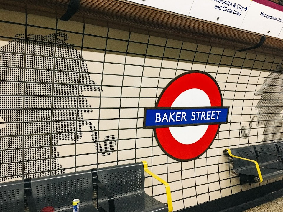 ベーカー・ストリート駅(Baker Street tube station)