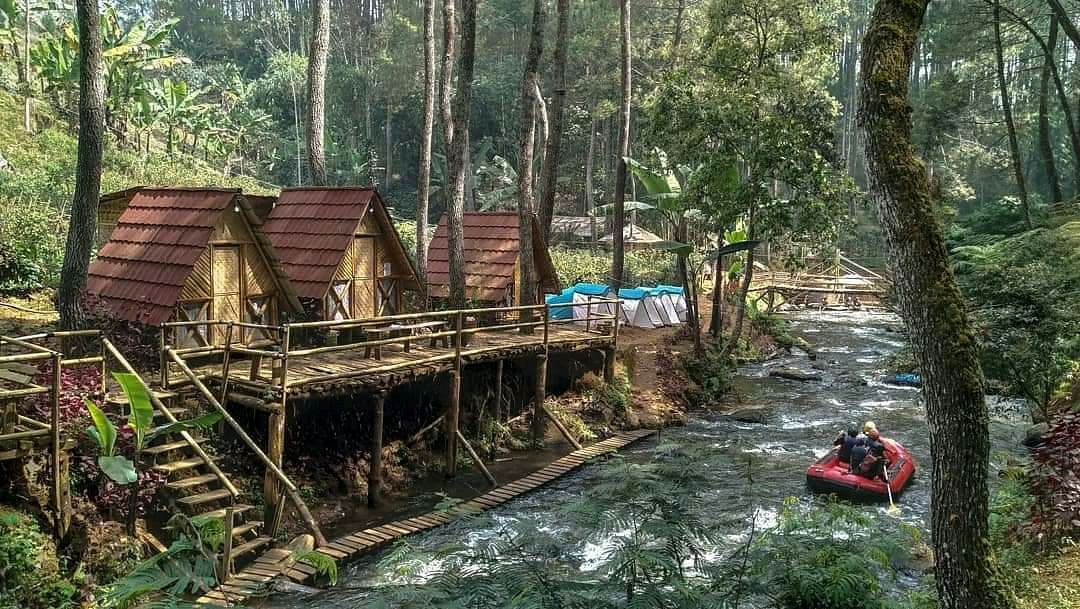 Wisata Alam Kampung Singkur di Bandung Yang Menyejukkan