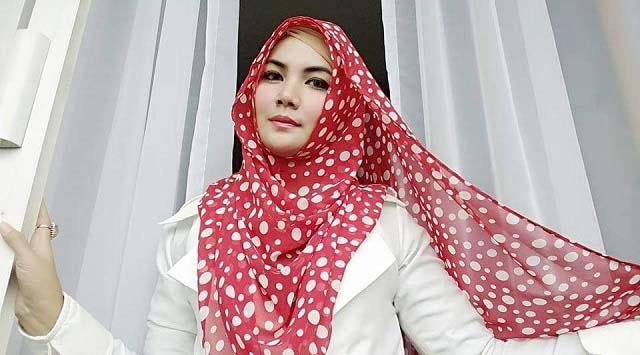 "Fristy Mayang Dewi Semarakan Ramadhan dengan Lagu ""Terimalah Sujudku"""