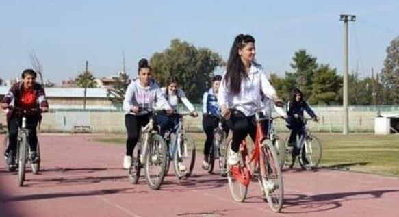 """""""بدي بسكليت"""".. فريق نسائي لقيادة دراجات هوائية شمالي سوريا"""