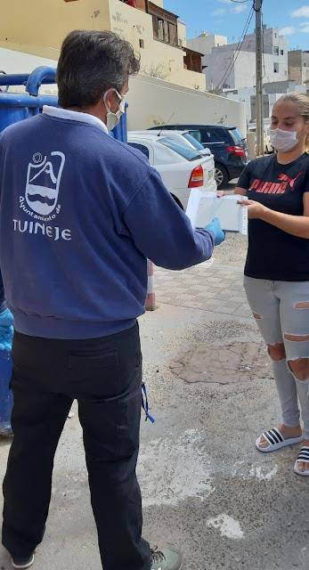 Tuineje reparto%2Bmaterial%2Bescolar%2B%25281%2529 - Fuerteventura.- Tuineje colabora en el reparto de material escolar al alumnado del municipio