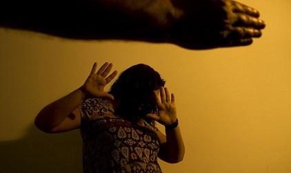 Em Altamira do Paraná, homem é preso após chegar em casa embriagado, quebrar objetos e agredir a esposa