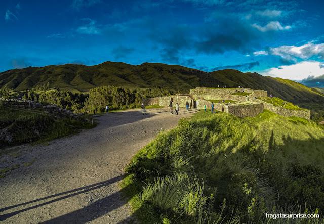 Sítio Arqueológico de Puka-Pukará, nos arredores de Cusco