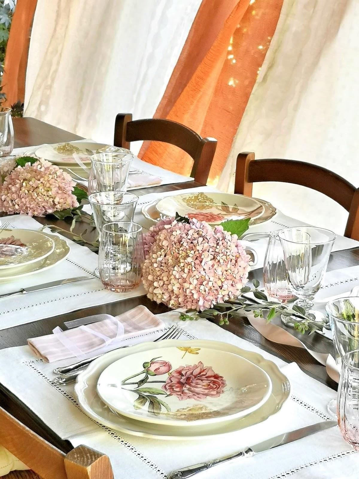 apparecchiare tavola romantica