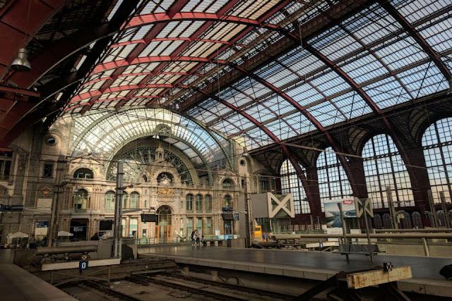 Nhà ga Antwerp Centraal, Bỉ