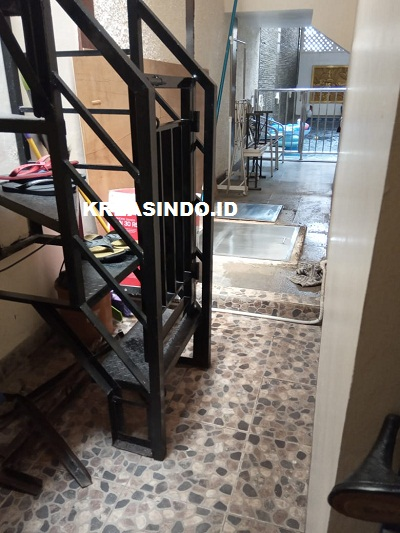 Pintu Tangga Besi dan Tutup Mesin Stainless pesanan Bpk H Dadang di Gema Pesona Depok - Order Kedua