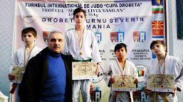 """Sportivii calafeteni s-au remarcat la Turneul internaţional de Judo """"Cupa Severinului"""""""