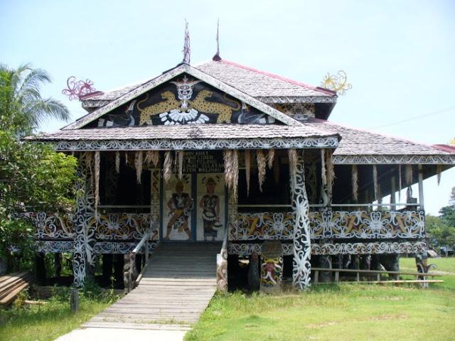 Rumah Adat Provinsi Kalimantan Timur (KALTIM), Rumah Adat , Rumah Lamin,