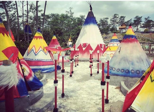 Wisata Kampung Indian di Kediri