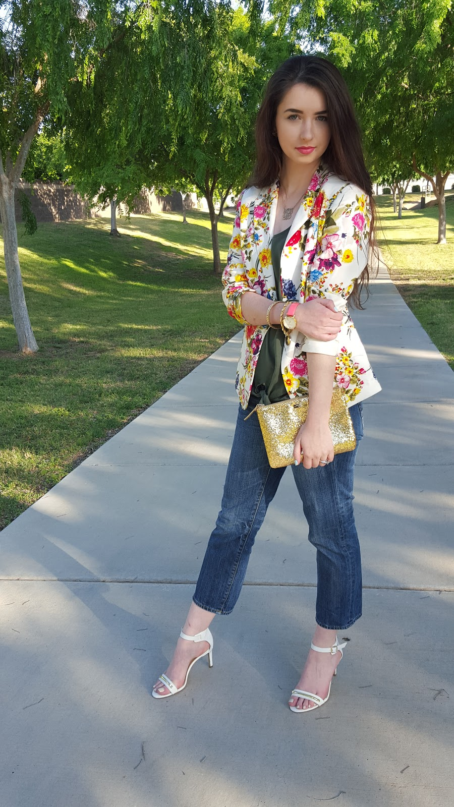 Spring outfit idea- floral top and jeans