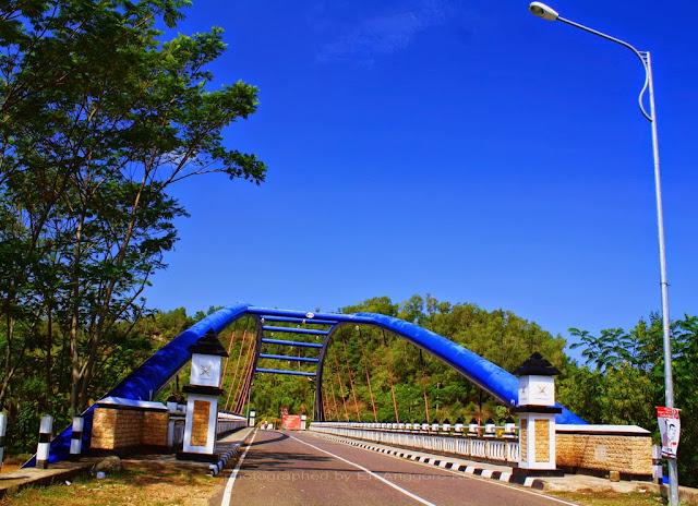 Jembatan setelah Pantai Soge