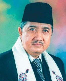 Dr. KH. Abdullah Syukri Zarkasyi, MA