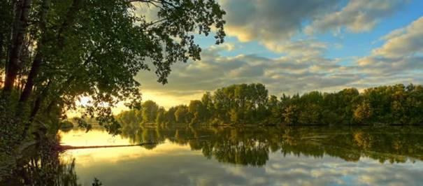 صور رائعه لجمال السماء وصفاء الماء image001-742012.jpg