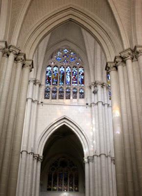 Detalles del interior de la catedral de Toledo
