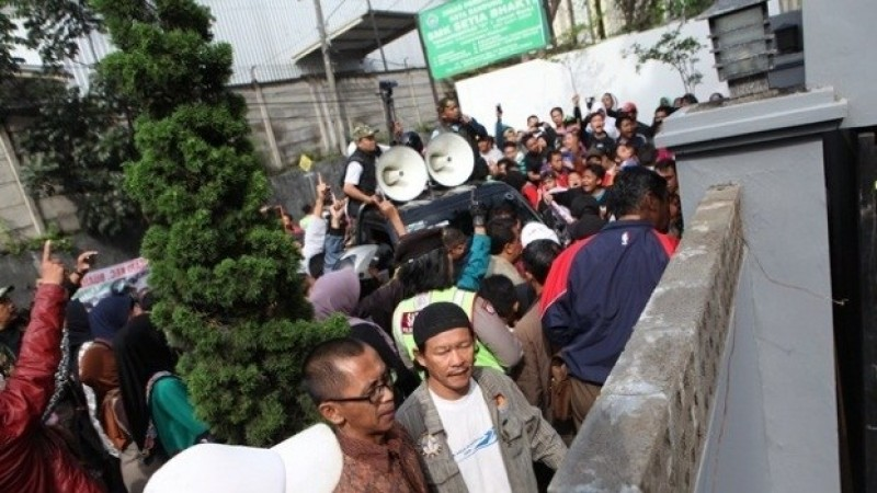 Demonstrasi penutupan GBKP Bandung Timur