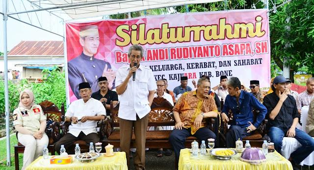 Andi Rudiyanto Asapa Silaturahmi dengan Karabatnya di Bone