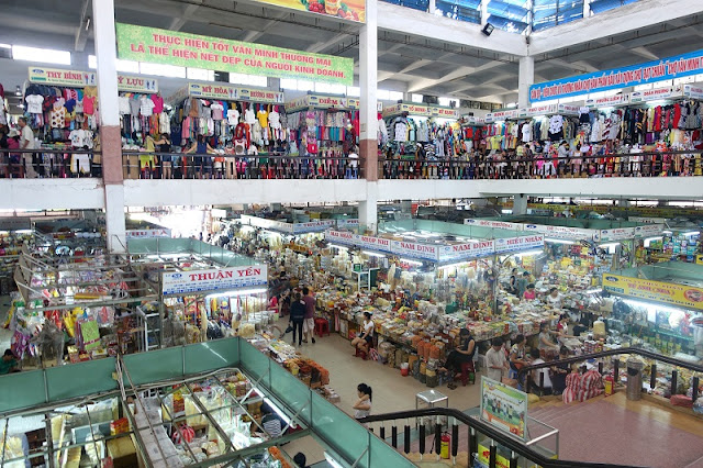 Where to Do Shopping in Da Nang?