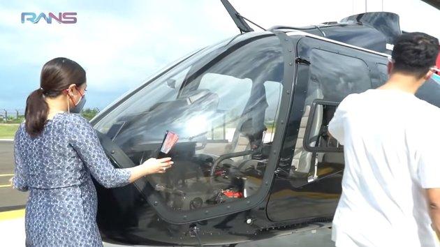 7 Potret Detik-Detik Nagita Slavina Peluk Helikopter Sambil Baca Sholawat, Pengin Punya Sendiri Warna Pink - Baby Bump Kehamilan 4 Bulan Jadi Sorotan