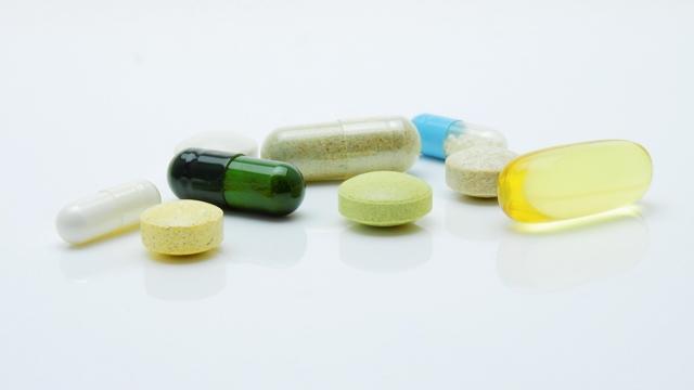 Hidroxicloroquina não funciona contra Covid-19 e aumenta risco de morte, diz novo estudo