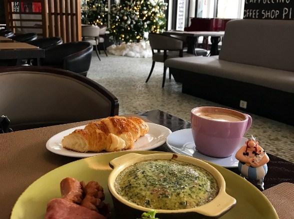 Kafe Keren di Bandung yang Harus Anda Kunjungi