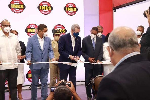 Presidente Luis Abinader participa en inauguración del moderno Supermercados Ines  en San Cristóbal
