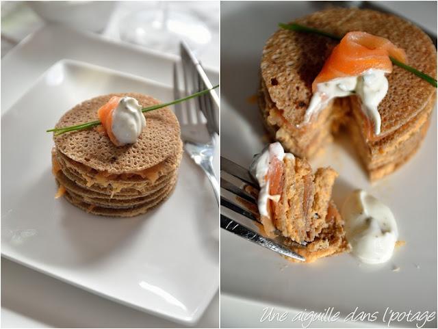 Millefeuille de crêpes de blé noir au saumon fumé