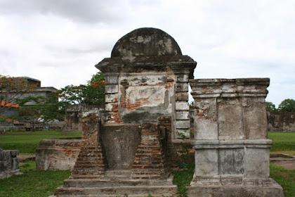 Kerajaan Islam Pertama di Indonesia, Sejarah kerajaan Perlak (Peureulak)