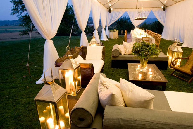 lounge area wedding reception
