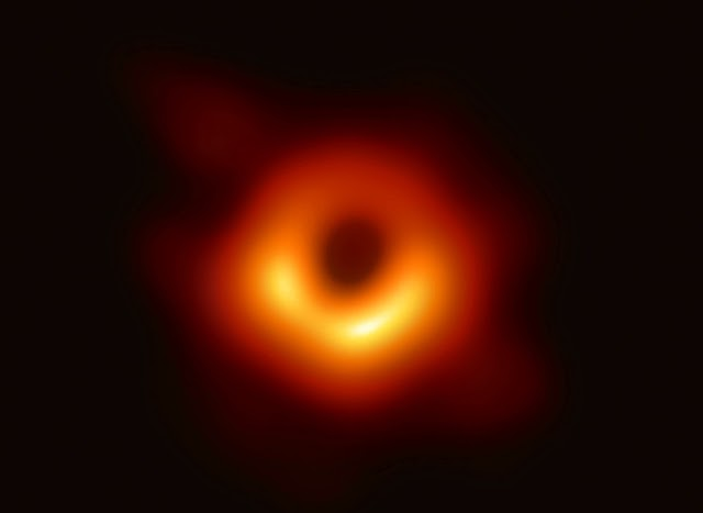 """The Black Hole: humans... here's the first ever image of """"The Black Hole!!!"""""""