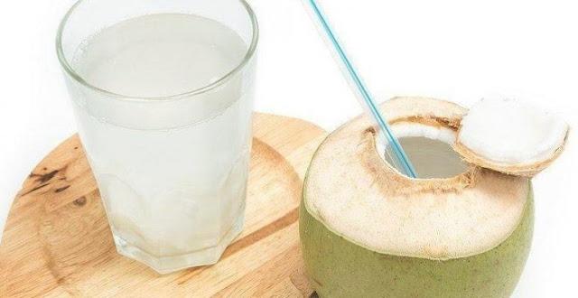 Minum Air Kelapa Saat Berbuka Puasa Ternyata Punya 4 Manfaat Dahsyat, Udah Pernah Coba