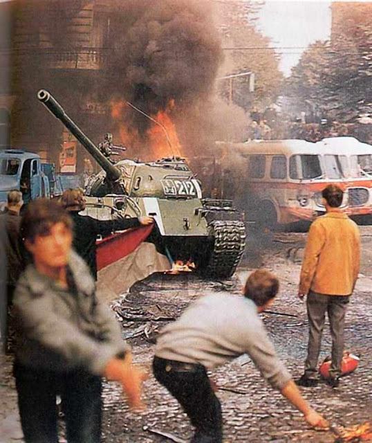 Ontem a luta foi contra a ocupação soviética.  Hoje é para se defender da absorção pela UE