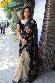 Neetu Chandra in Black Saree at Designer Sandhya Singh Store Launch Mumbai (47).jpg