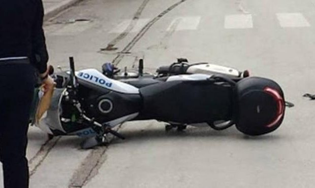 Αμαλιάδα: Τραυματίστηκε αστυνομικός πηγαίνοντας στην πυρκαγιά της Δαφνιώτισσας!!