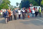 Cegah Covid-19, PMI Lebak Semprot Disinfektan di Kota Rangkasbitung