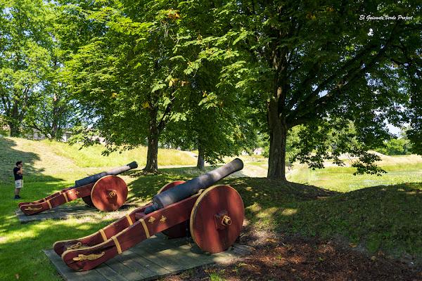 Fredrikstad, cañones - Noruega, por El Guisante Verde Project