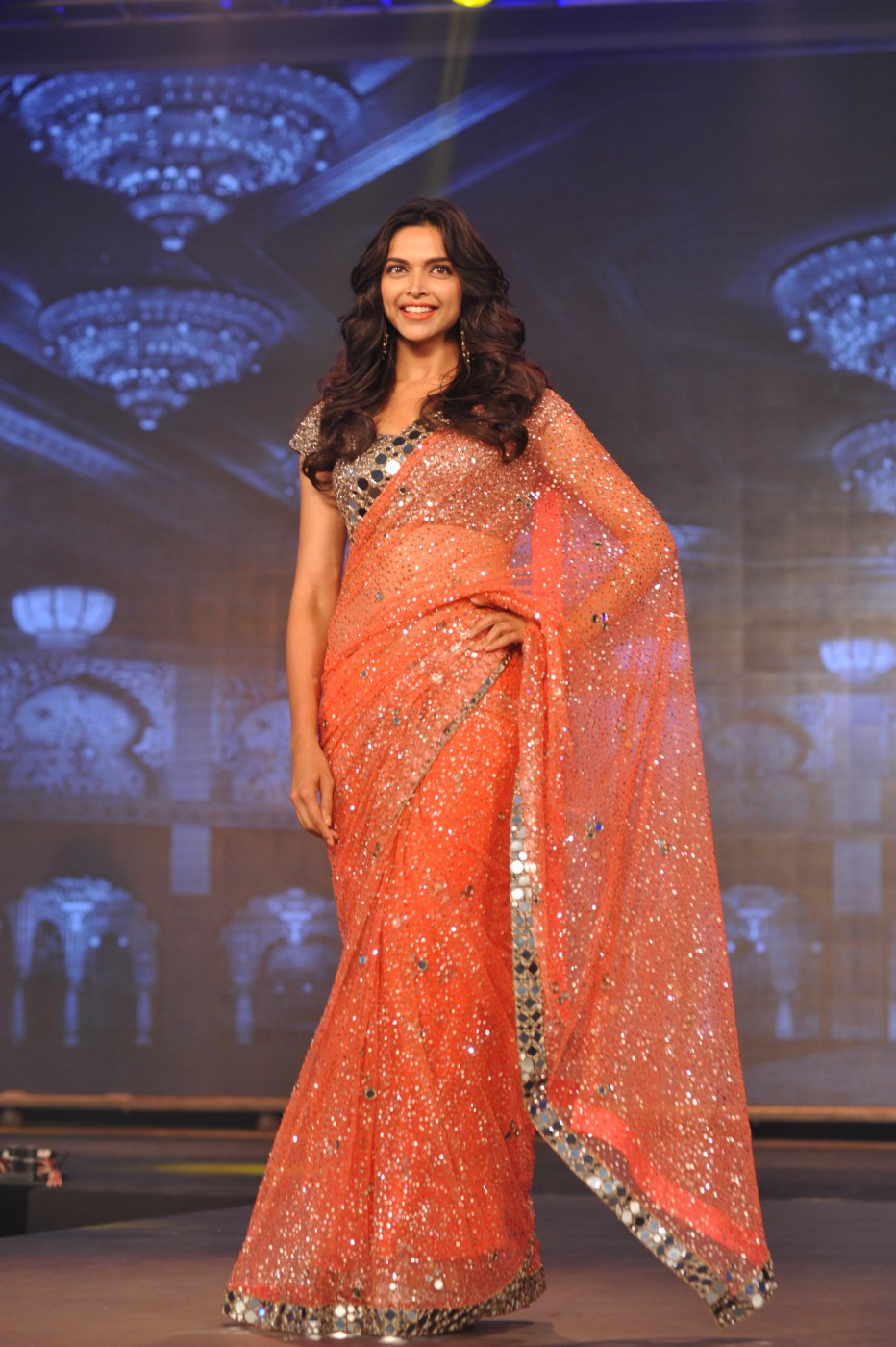 Deepika Padukone - Stunning in Saree - Chamber of beauty