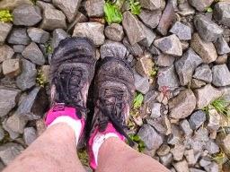 Jak szybko wysuszyć przemoknięte buty?